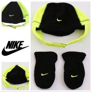 Nike Fleece 2PC Fleece Hat & Mitten Set